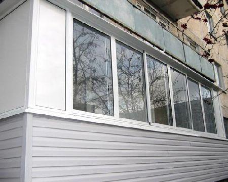 отделка балконов и лоджий сайдингом