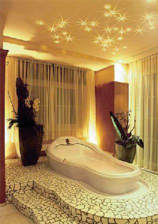 варианты отделки потолка в ванной