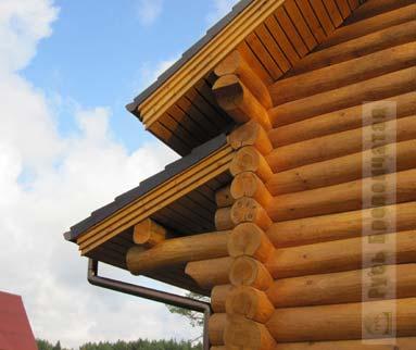 свес крыши деревянного дома